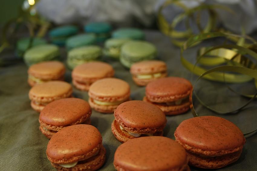 Von »Alleh hopp!« bis »Kölle Alaaf!«… Macarons mit Likör 43-Creme