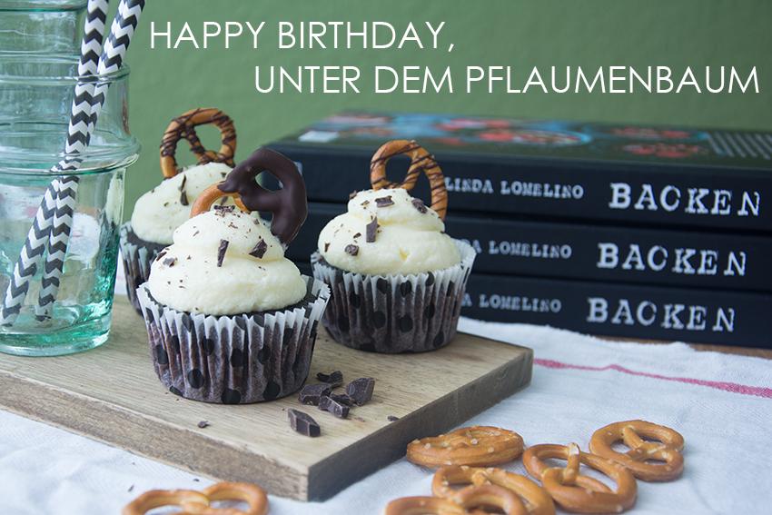 Happy Birthday, Unter dem Pflaumenbaum! Brezel-Bier-Cupcakes und ein feines Giveaway für euch… {Werbung}