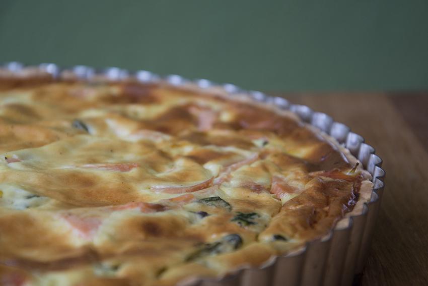 Willkommen zum »Salty Sunday«… Dinkel-Quiche mit Spinat und Lachs