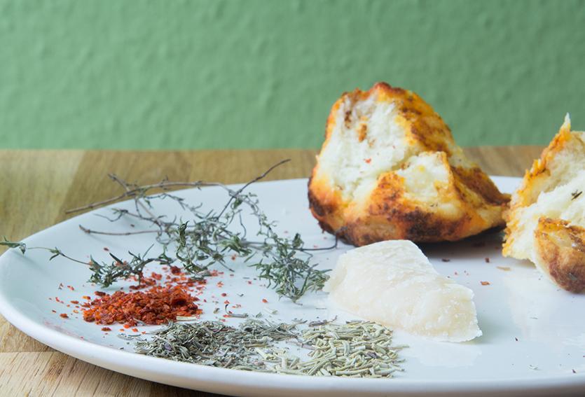 Herbed Monkey Bread, Unter dem Pflaumenbaum, Backblog